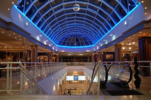 Управление освещением в торговом комплексе